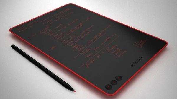 NoteSlate měří 6 mm a váží jen 280 g.