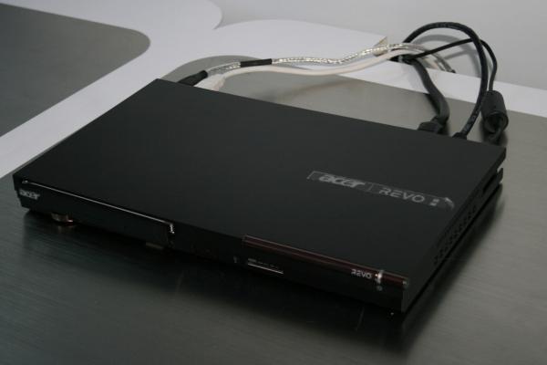 Acer Companion Box – zařízení založené na procesoru Intel Atom CE4100 má integrovaný televizní tuner, ale zvládne i další funkce. Uživatelské rozhraní je založené na MS Windows Media Center.