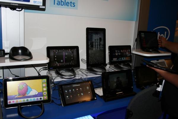 Tablet PC založené na procesorech Intel. Žádné silné značky, ale to se brzy změní. Na IDF byl totiž k vidění zajímavý tablet od Dellu. Ten ale na tomto obrázku není.