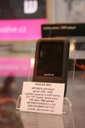 MP3 přehrávač sFM vysílačem.