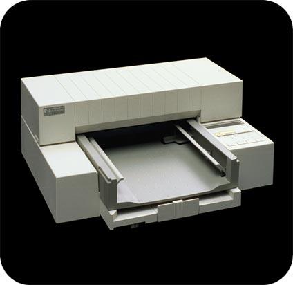 První tiskárna HP Deskjet z roku 1988