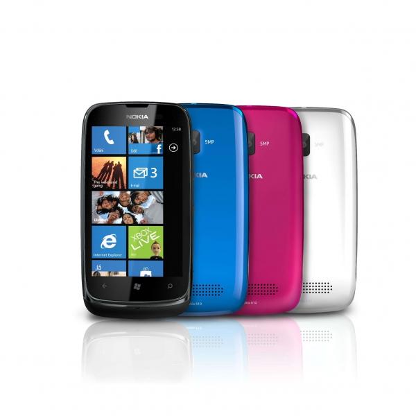 Nokia Lumia 610 bude dostupná v bílé, tyrkysové, purpurové a černé barvě.