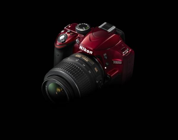 Nikon D3200 - rozlišení 24,2 milionů pixelů, Full HD video a vylepšený Průvodce
