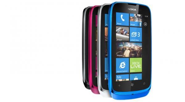 Nokia Lumia 610 je nejlevnějším mobilním telefonem řady Lumia.