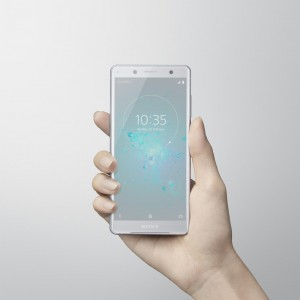 43-xperia-xz2-compact-white-silver-inhand-lowres-nahled