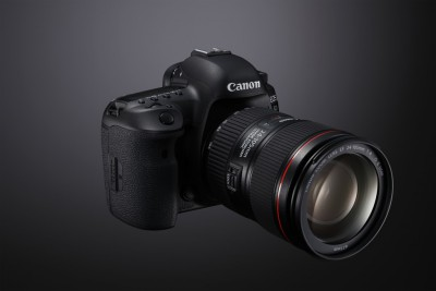 canon-eos-5d-mark-iv-fsr-w-ef-24-105mm-2-nahled