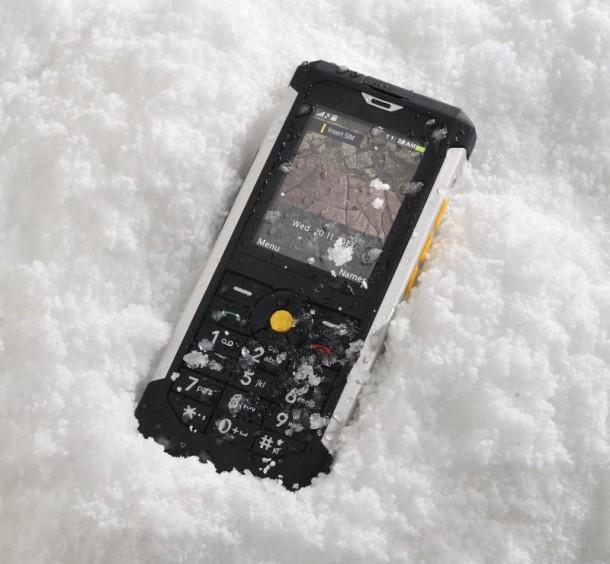 b100-snow-nahled