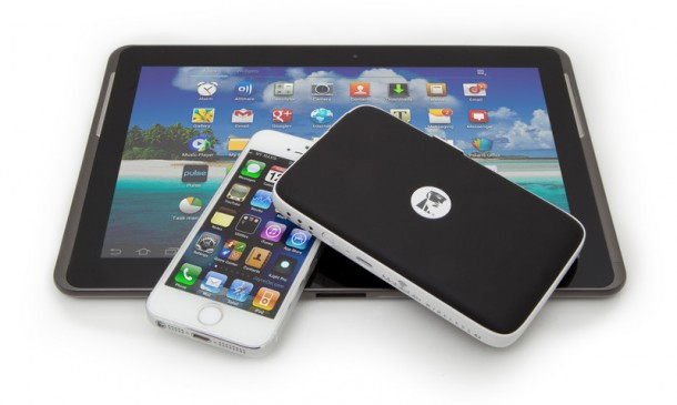 mobilelite-wireless-g2-usage-image-mlwg2-iphone-tablet-22-05-2014-19-29-nahled